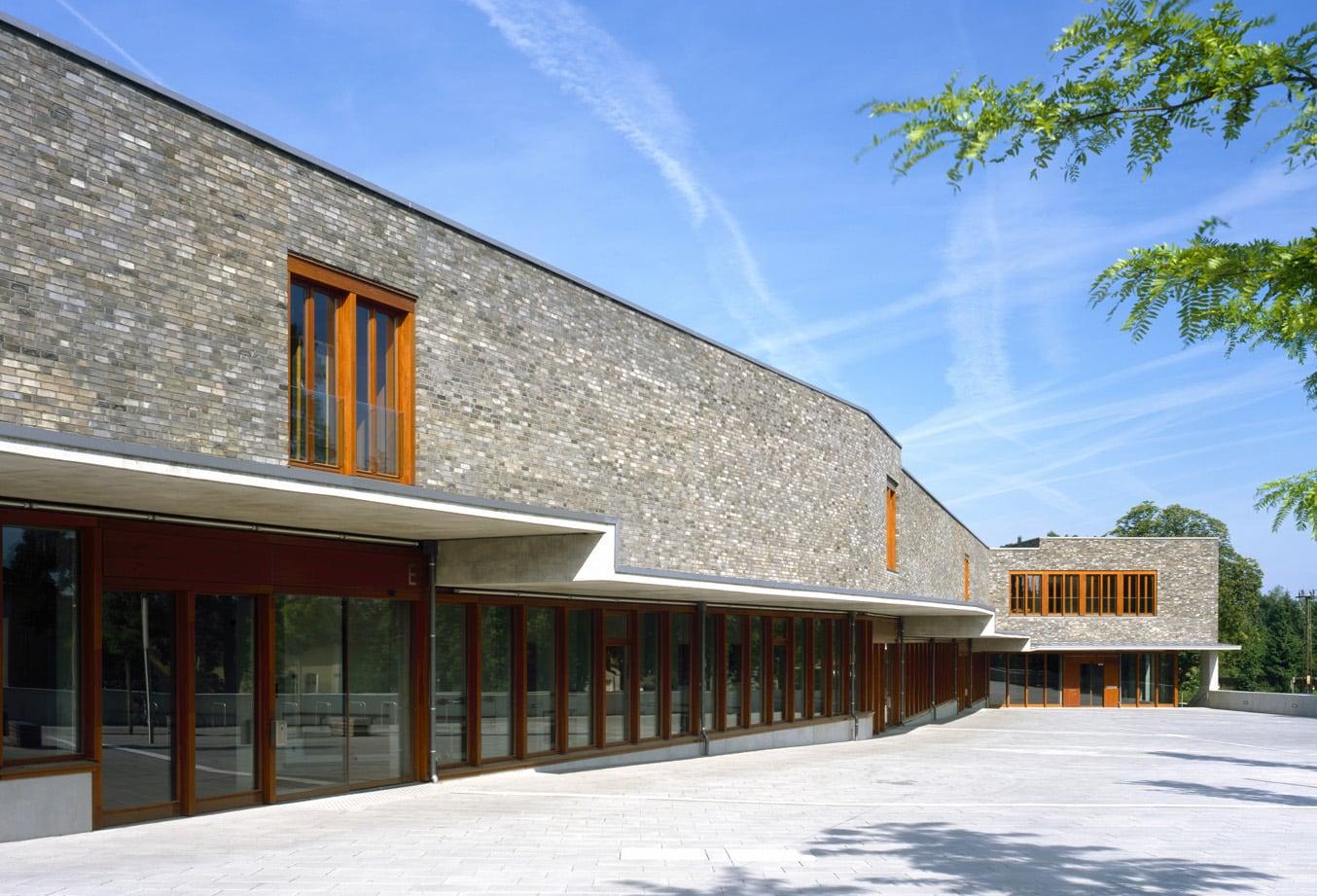 Bilindeninstitut Regensburg - Vorplatz